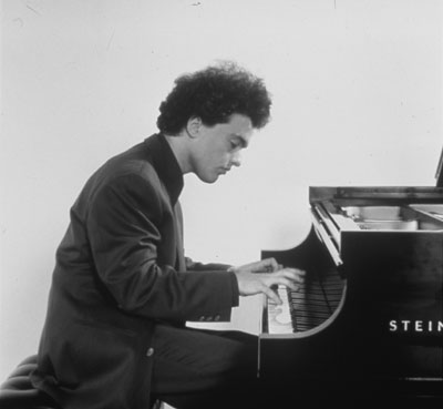 Evgeny Kissin selects a Steinway at Steinert's